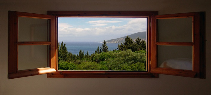 https://whitemtnlumber.com/uploads/images/inside_right_705x320/nature-window-with-a-view.jpg